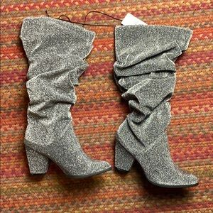 NWT SILVER SHIMMER SCRUNCH HEELED BOOTS